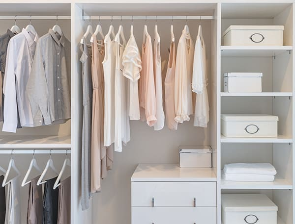 Simplify Your Morning Routine with a Capsule Wardrobe
